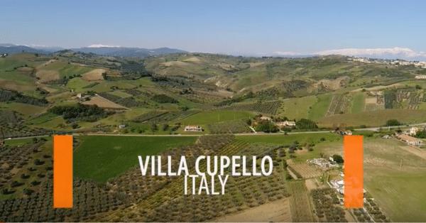 Vidéo vue aérienne villa en Italie